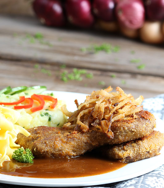 zwiebelschnitzel mit kartoffel gurkensalat veganes rezept wheaty. Black Bedroom Furniture Sets. Home Design Ideas